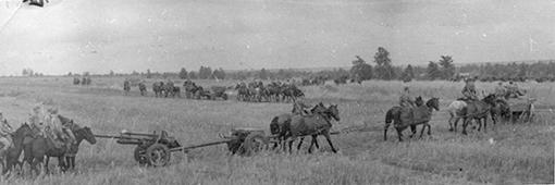 "Пушки ЗИС-3 на марше"" Советская 76-мм дивизионная пушка ЗиС-3 обр. 1942 года на марше-конная тяга. (1942, 1943, 1944, 1945 гг.)"