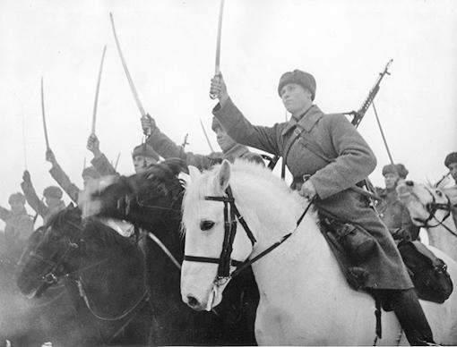 Советские кавалеристы в строю.(Битва за Москву (Зима 1942г)
