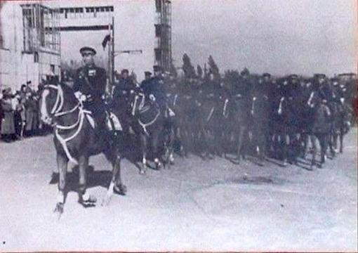 (Театр Горького) Парад Победы 1945г. Ростов. Театральная площадь Конница.